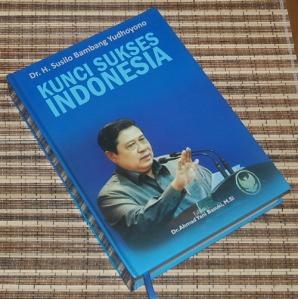B3S-2012-12-02-PENAWARAN KHUSUS Politik-Susilo Bambang Yudhoyono-Kunci Sukses Indonesia