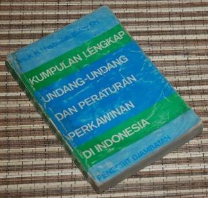 B3S-2012-12-20-PENAWARAN KHUSUS Hukum-K.H. Hasbullah Bakry-Kumpulan Lengkap Undang-Undang dan Peraturan Perkawinan di Indonesia