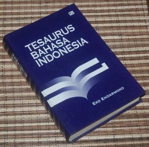 B3-2013-01-20-KAMUS-Eko Endarmoko-Tesaurus Bahasa Indonesia