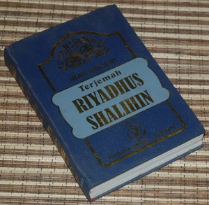 B3-2013-02-16-RELIGIOSITAS-Imam Nawawi-Terjemah Riyadhus Shalihin 1-2c