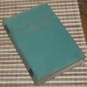 B3-2013-03-26-ENSIKLOPEDIA-W. Van Hoeve-Ensiklopedia Indonesia A-E1