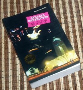 B3-2013-06-04-JURNALISTIK-Moammar Emka-Jakarta Undercover 1