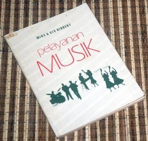 Mike & Viv Hibbert: Pelayanan Musik