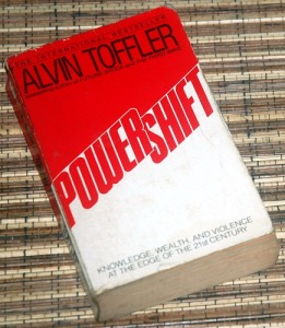 alvin tofflers powershift 2018-7-15 alvin toffler (october 4, 1928  via their other best-seller, powershift,  the alvin and heidi toffler were recipients of brown university's independent award.