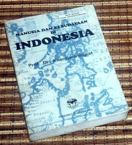 Koentjaraningrat: Manusia dan Kebudayaan di Indonesia, Cetakan XVII