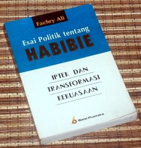 Fachry Ali: Esai Politik tentang Habibie