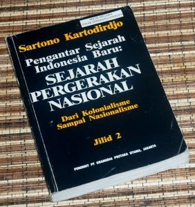 Sartono Kartodirdjo: Pengantar Sejarah Indonesia Baru, Jilid 2