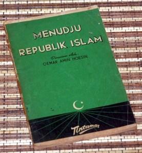 Menudju Republik Islam