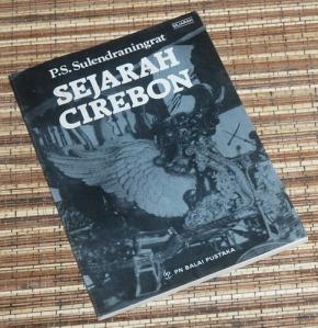 P.S. Sulendraningrat: Sejarah Cirebon, Cetakan I