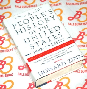 an analysis of the a peoples history of the united states by dr howard zinn Oppression and class warfare exposed in dr howard zinn's a people's history of the united states 2112 words | 9 pages dr howard zinn's a people's history of the united states might be better titled a proletarian's history of the united states.
