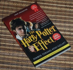 John Houghton: The Harry Potter Effect: Simbol Terang atau Gelap