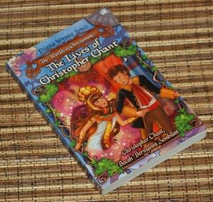 Diana Wynne Jones: Christopher Chant, Bocah Bernyawa Sembilan