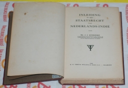 J.J. Schrieke: Inleiding in Het Staatsrecht van Nederlands-Indie